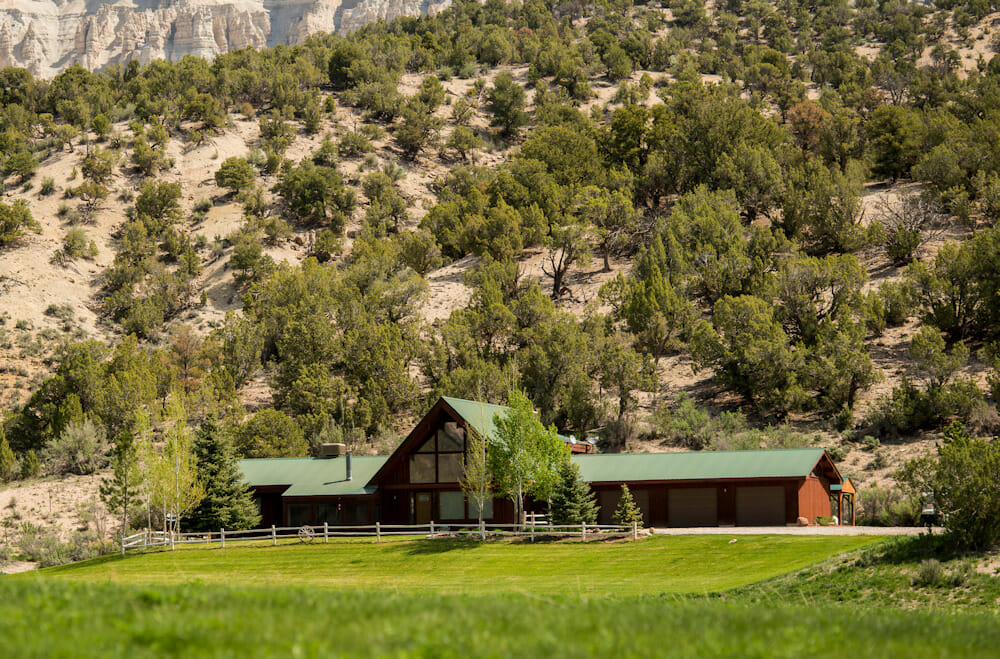 Pond House Lodge at The High Lonesome Ranch