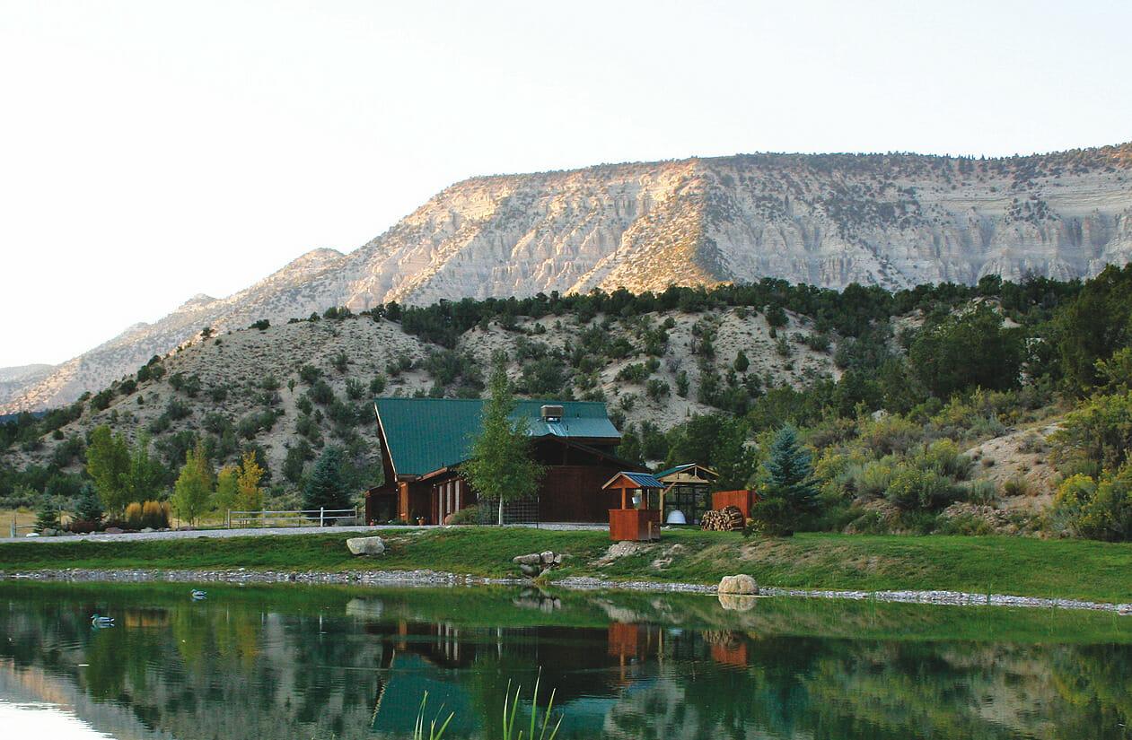 DE Beque Colorado Lodging