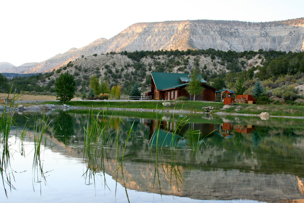 Pond House Guest Lodging